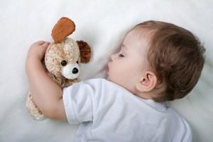 Как правильно наладить режим сна у детей?