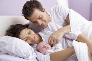 Сон в родительской кровати – за и против